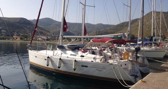 Ein Bénéteau Oceanis 373 Clipper mieten in Athen