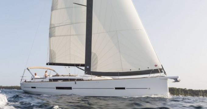 Segelboot mit oder ohne Skipper Dufour mieten in Gouviá