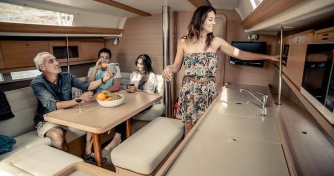 Yacht-Charter in Ponta Delgada - Dufour Dufour Grand Large 382 auf SamBoat