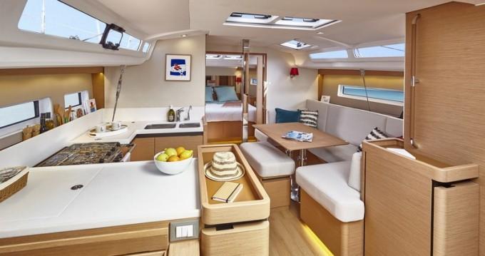 Segelboot mieten in Veruda - Jeanneau Sun Odyssey 440