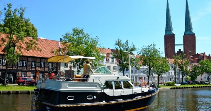 Motorboot mit oder ohne Skipper Linssen mieten in Lübeck