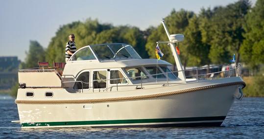 Motorboot mieten in Neuhof - Linssen Linssen Grand Sturdy 29.9 AC