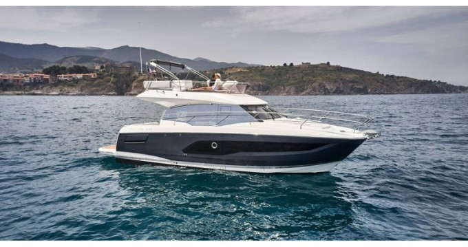 Motorboot mit oder ohne Skipper Jeanneau mieten in Palma de Mallorca