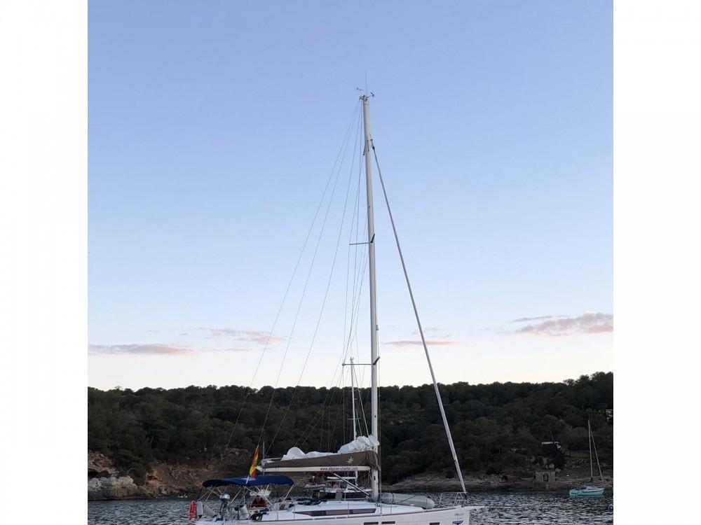 Ein Jeanneau Sun Odyssey 419 mieten in Palma di Maiorca