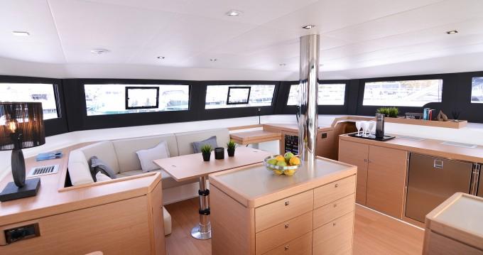 Yacht-Charter in Port of Lefkada - Dufour Dufour 48 Catamaran auf SamBoat