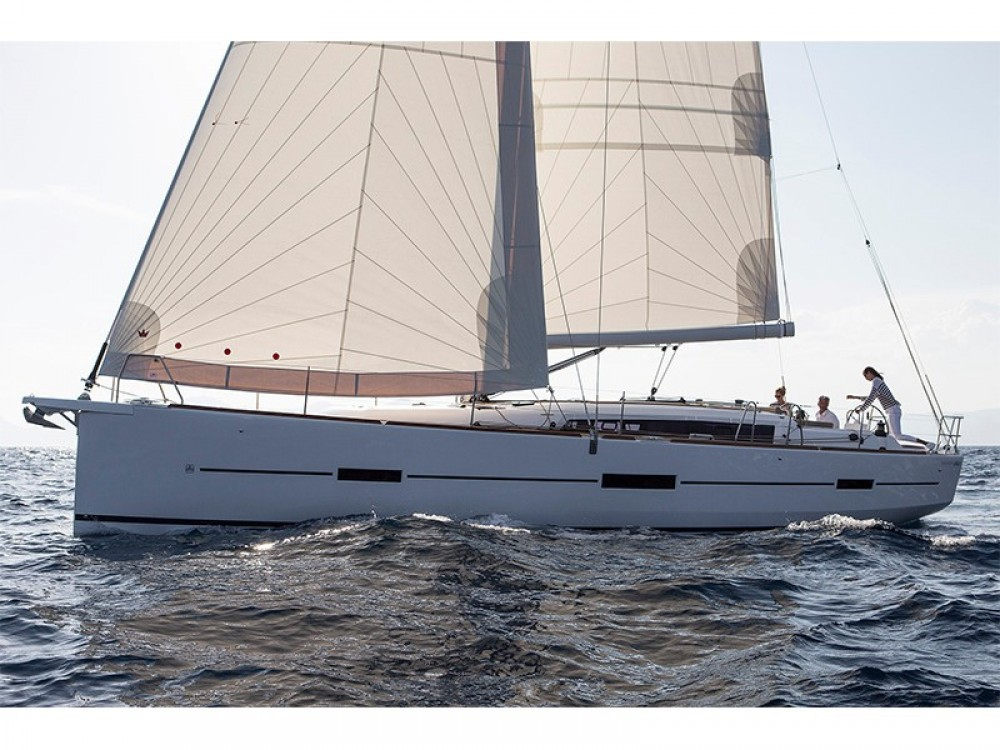 Yacht-Charter in  - Dufour Dufour 460 4 cab auf SamBoat