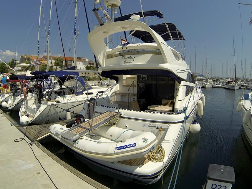 Motorboot mieten in Šibenik - Fairline Fairline Phantom 40