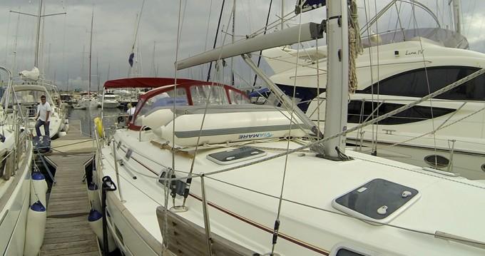 Bénéteau Oceanis 411 Clipper zwischen Privatpersonen und professionellem Anbieter Šibenik