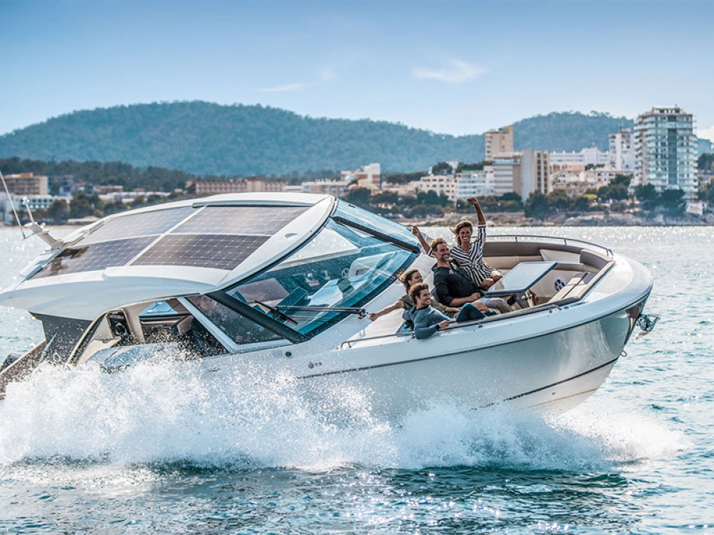Motorboot mit oder ohne Skipper Greenline mieten in Šibenik