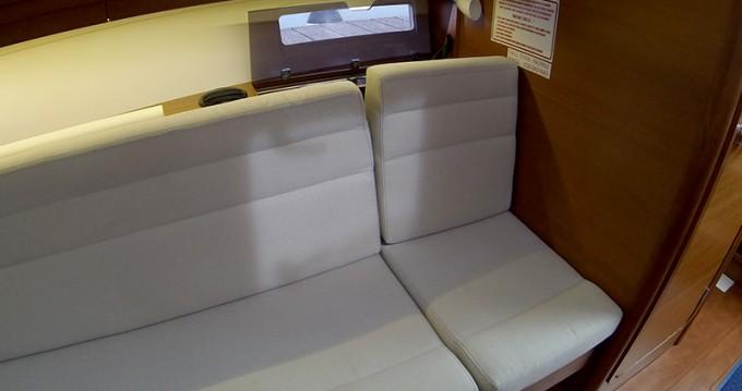 Bootsverleih Šibenik günstig Dufour 350 GL