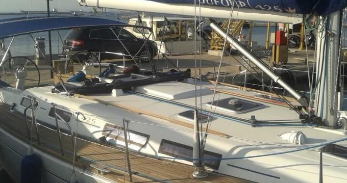 Dufour Dufour 425 GL zwischen Privatpersonen und professionellem Anbieter Taranto