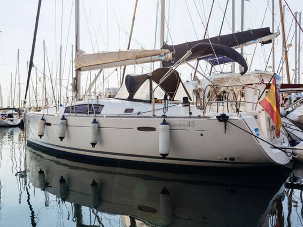 Bénéteau Beneteau Oceanis 43  zwischen Privatpersonen und professionellem Anbieter Barcelona