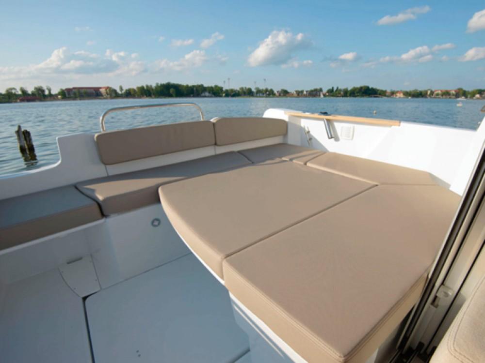 Bootsverleih ACI Marina Trogir günstig Beneteau Antares 7.80
