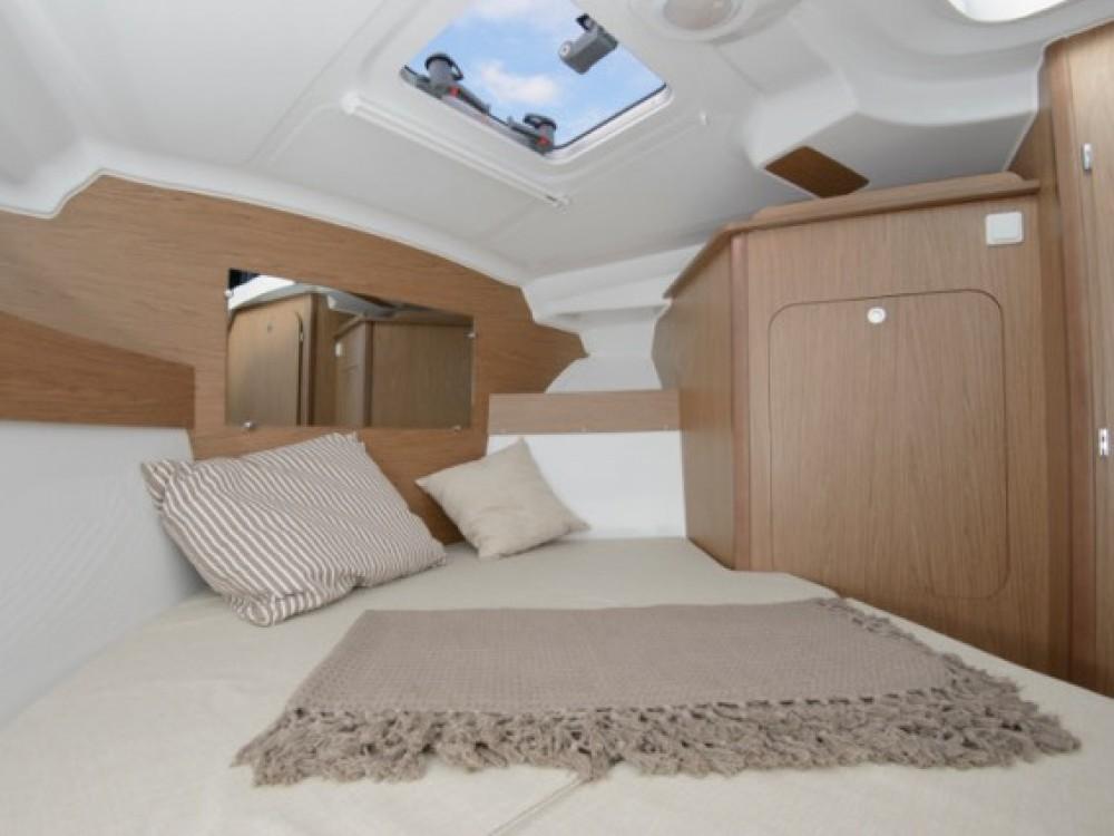 Yacht-Charter in ACI Marina Trogir - Bénéteau Beneteau Antares 7.80 auf SamBoat