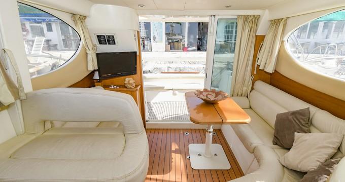 Bootsverleih Jeanneau Prestige 32 Port de Sitges Aiguadolç Samboat