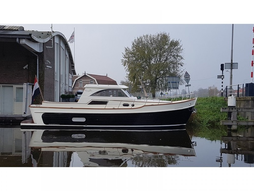 Motorboot mieten in  -  Newport Bass HT