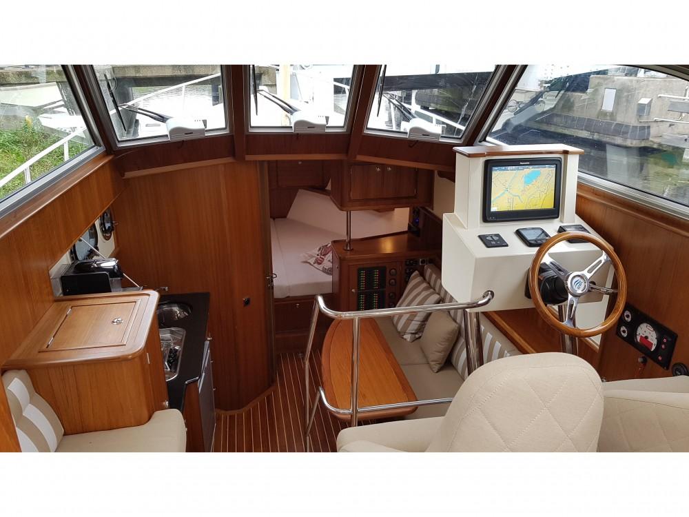 Yacht-Charter in  -  Newport Bass HT auf SamBoat