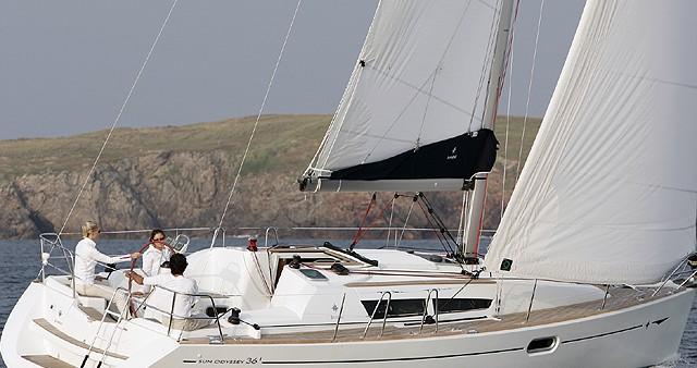 Ein Jeanneau Sun Odyssey 36i mieten in Kortgene
