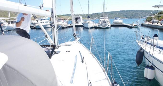 Ein Bavaria Cruiser 33 mieten in Primošten