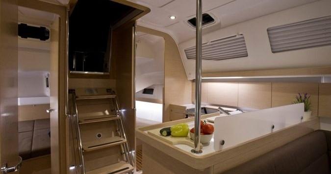 Yacht-Charter in Álimos - Elan Impression 40 auf SamBoat