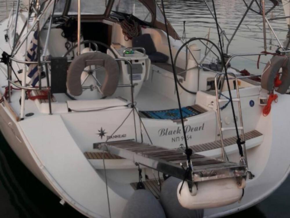 Segelboot mit oder ohne Skipper Jeanneau mieten in Marina Alimos