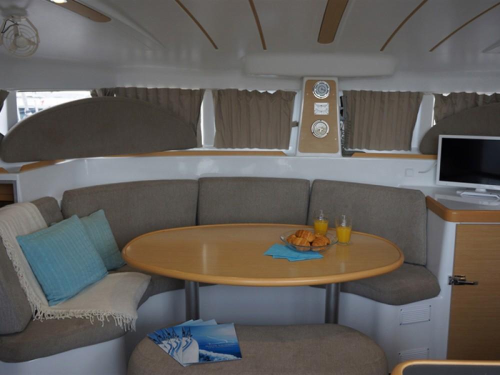 Yacht-Charter in Álimos - Lagoon Lagoon 380 S2 auf SamBoat