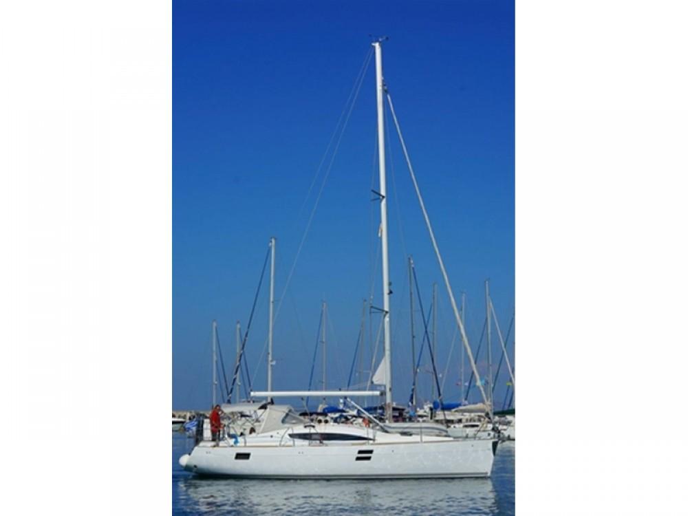 Yacht-Charter in Álimos - Elan Elan 394 impression auf SamBoat