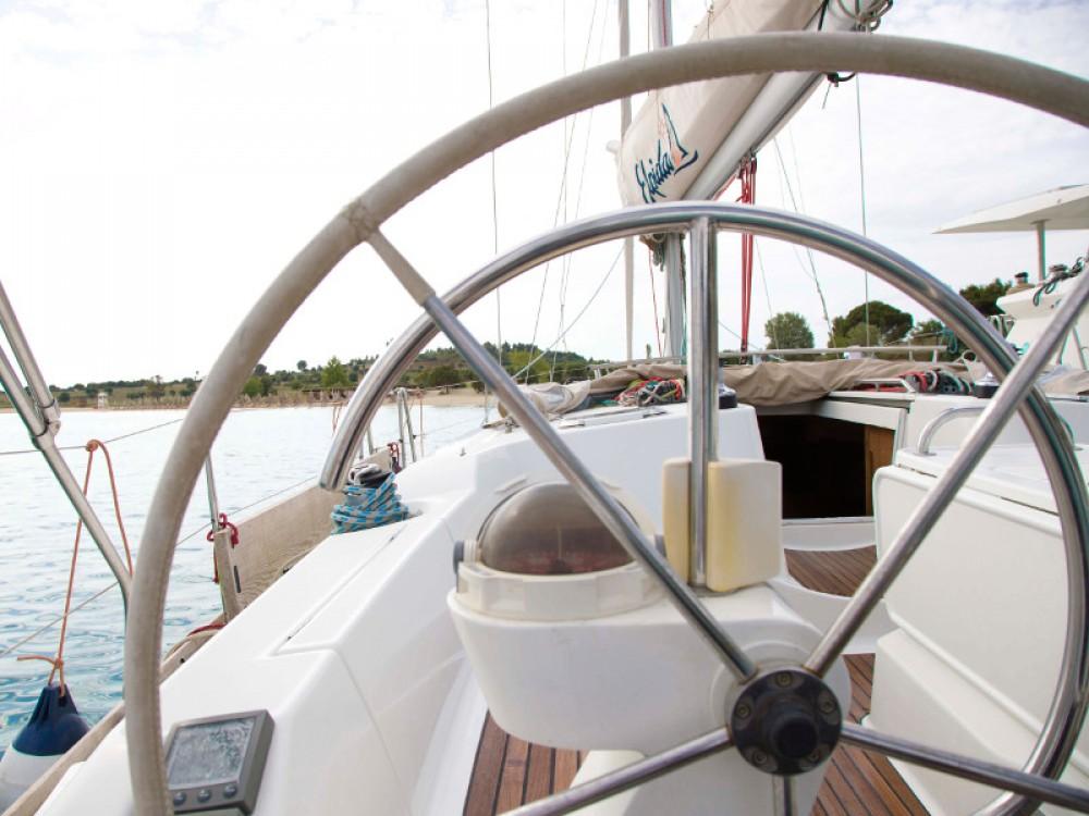 Yacht-Charter in Nikiti - Jeanneau Sun Odyssey 45 auf SamBoat