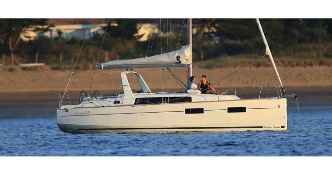Bénéteau Oceanis 35 zwischen Privatpersonen und professionellem Anbieter Bocca di Magra