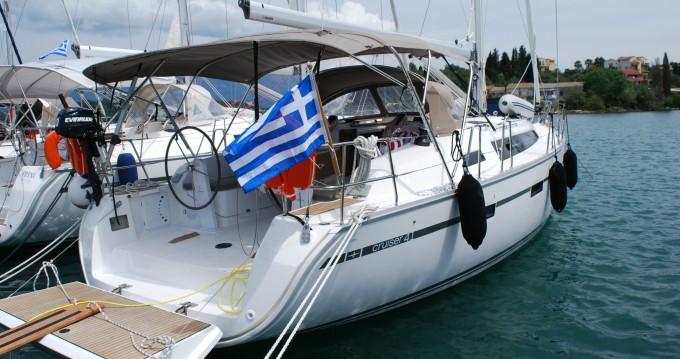 Bavaria Cruiser 41 zwischen Privatpersonen und professionellem Anbieter Gouviá