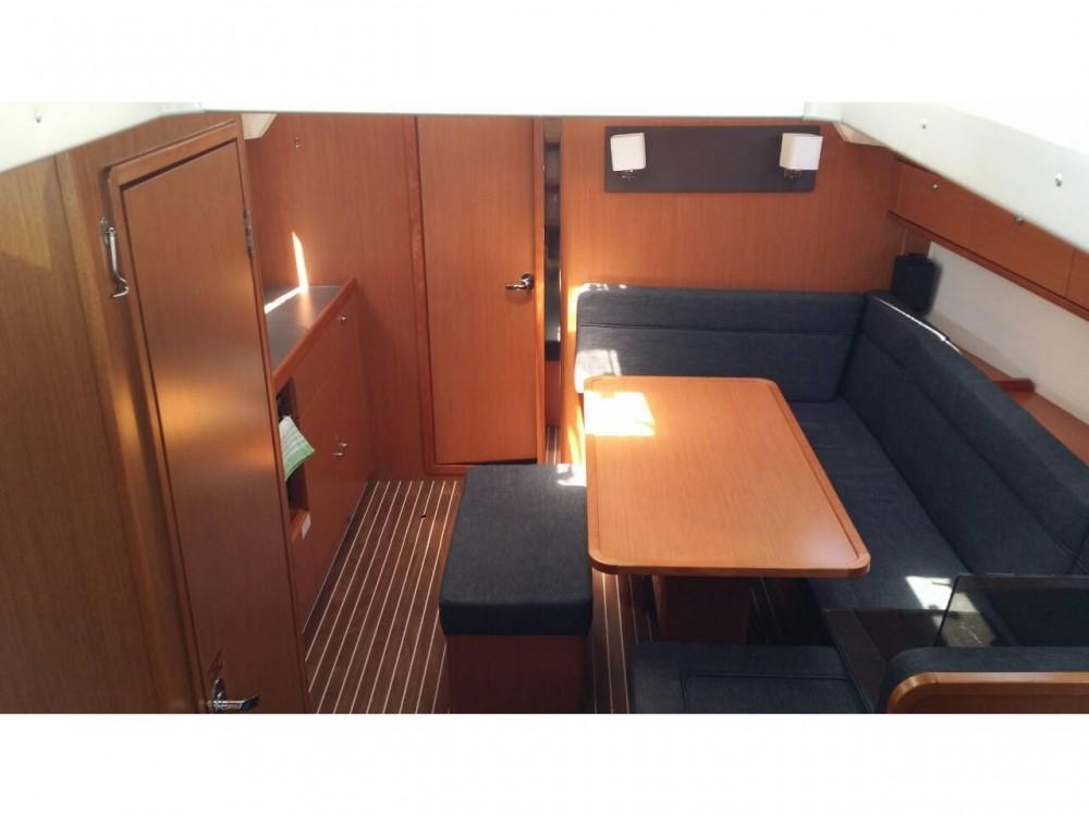Bavaria Bavaria Cruiser 41 zwischen Privatpersonen und professionellem Anbieter Marina Gouvia