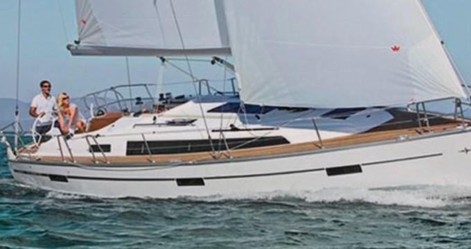Ein Bavaria Cruiser 37 mieten in Athen
