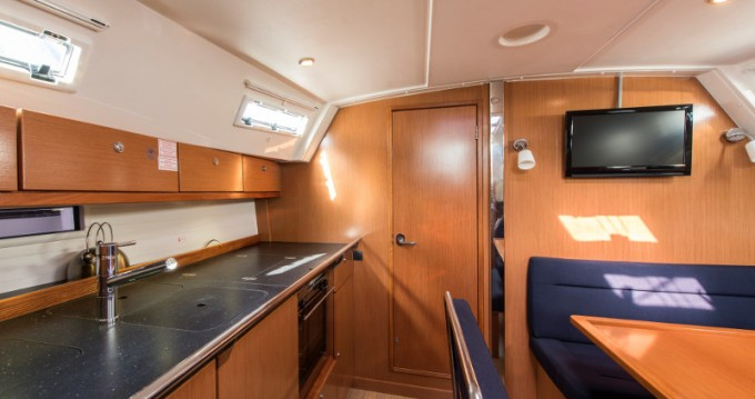Yacht-Charter in Álimos - Bavaria Bavaria 40 Cruiser auf SamBoat