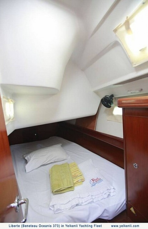 Bénéteau Oceanis 373 zwischen Privatpersonen und professionellem Anbieter Bursa