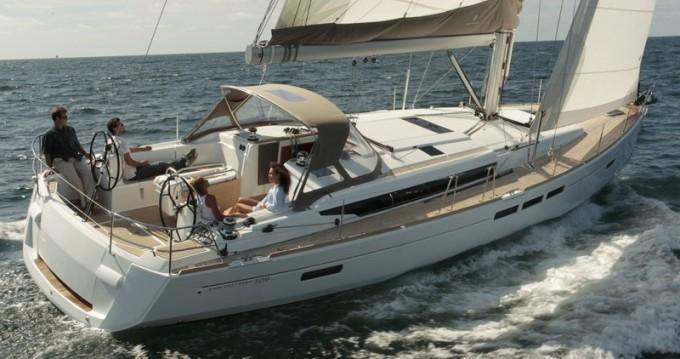 Ein Jeanneau Sun Odyssey 509 mieten in Split