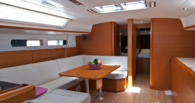 Ein Jeanneau Sun Odyssey 469 mieten in Split