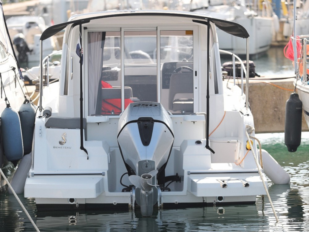 Bootsverleih Bénéteau Antares 8 Sukošan Samboat