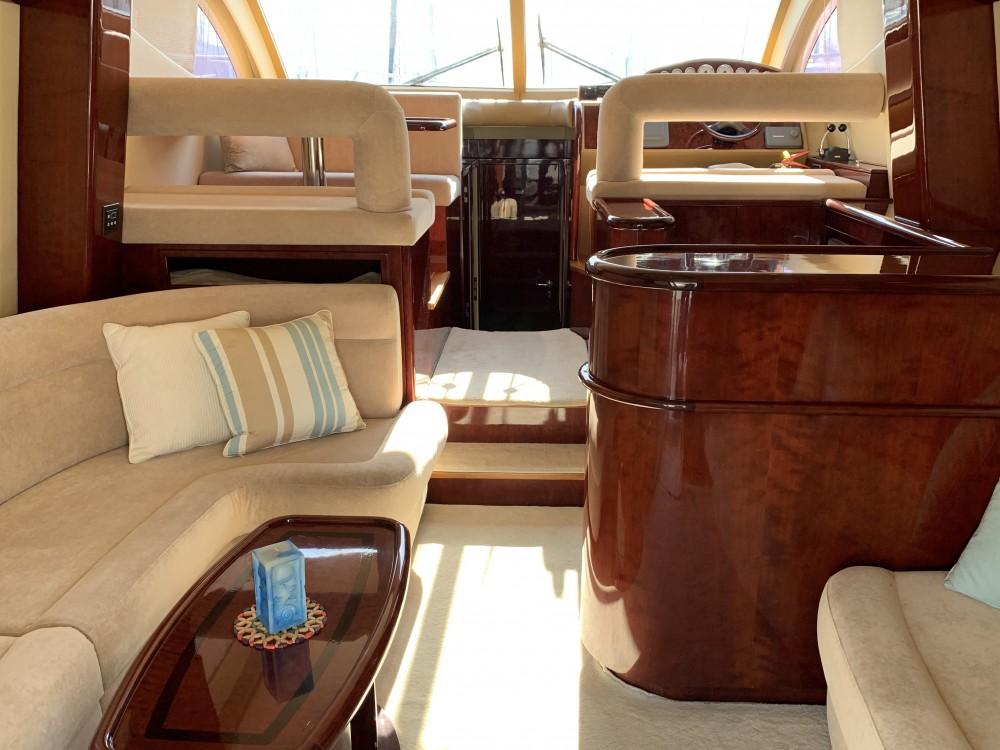 Motorboot mit oder ohne Skipper Gulf Craft mieten in Marina Alimos