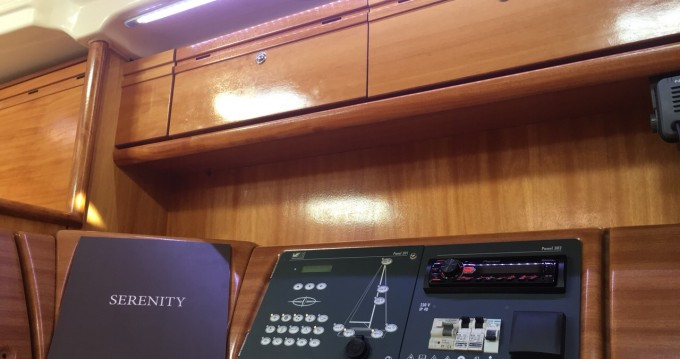 Ein Bavaria Bavaria 42 Cruiser mieten in Lávrio