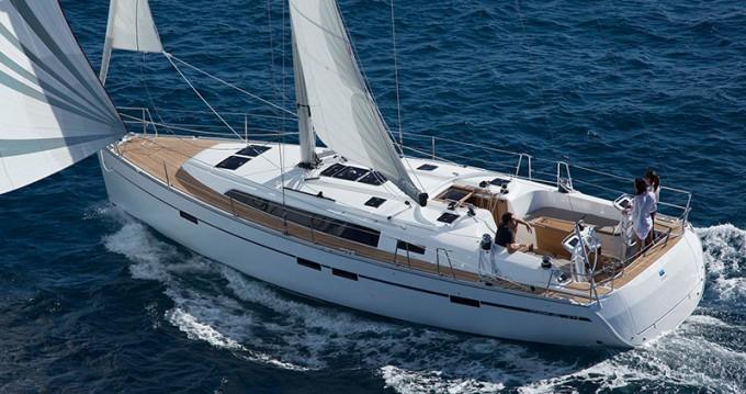 Bavaria Cruiser 46 zwischen Privatpersonen und professionellem Anbieter Athen