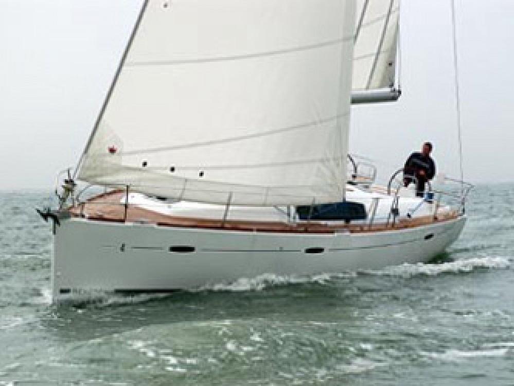 Bootsverleih Bénéteau Oceanis 43 Marina Alimos Samboat