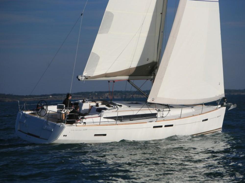 Yacht-Charter in Álimos - Jeanneau Sun Odyssey 439 auf SamBoat