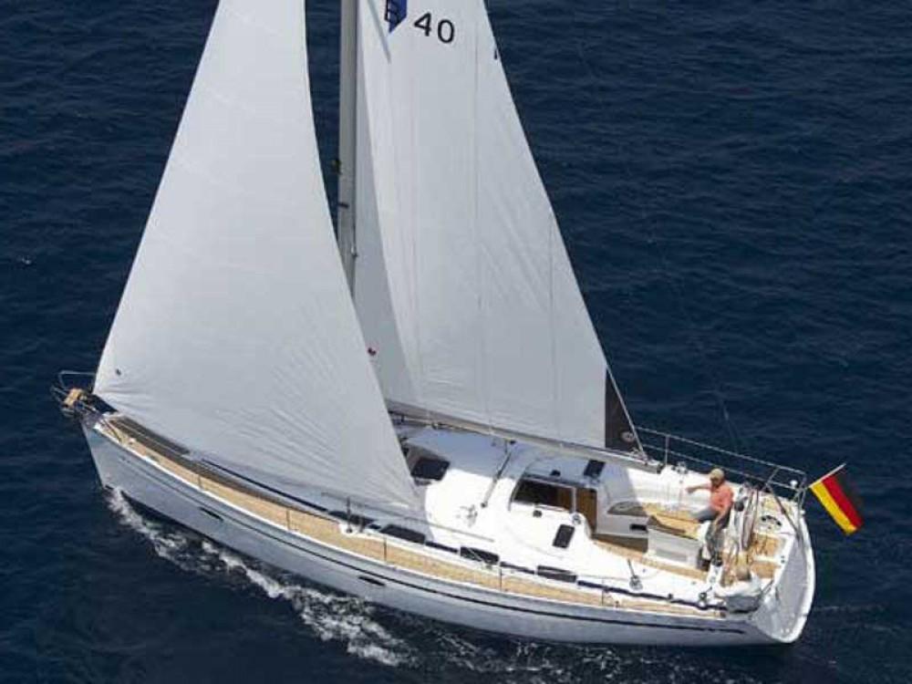 Yacht-Charter in  - Bavaria Bavaria 40 Cruiser auf SamBoat