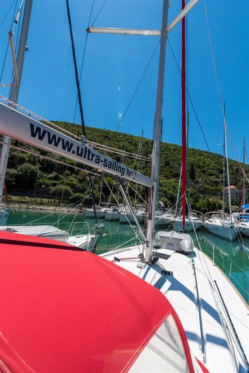 Bénéteau Oceanis 41 zwischen Privatpersonen und professionellem Anbieter Pomer