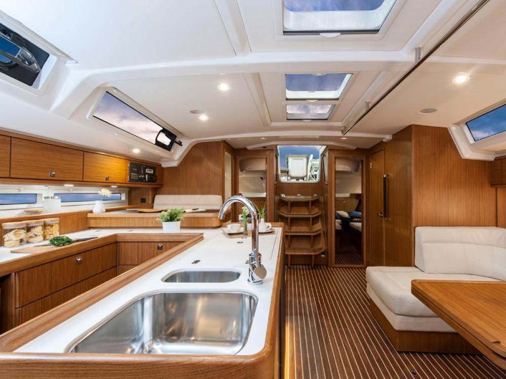 Bootsverleih Marina Alimos günstig Bavaria Cruiser 56