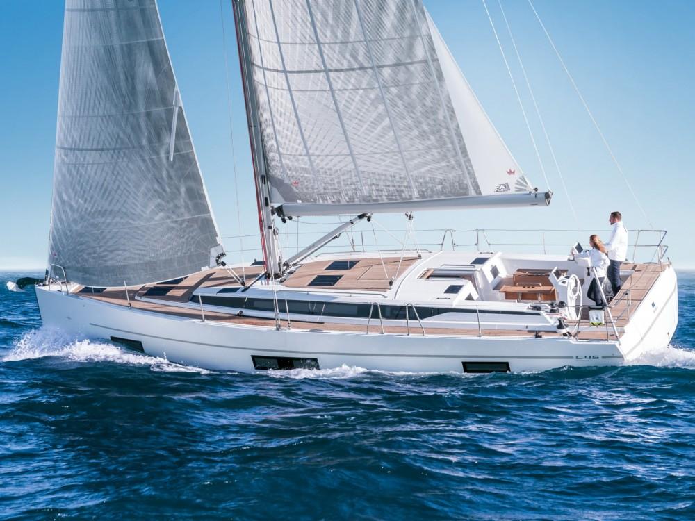 Bavaria Bavaria C45 Style zwischen Privatpersonen und professionellem Anbieter Marina Alimos