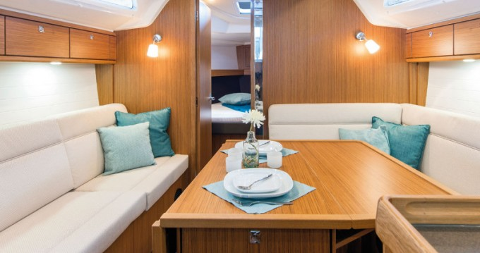 Yacht-Charter in Athen - Bavaria Cruiser 37 auf SamBoat