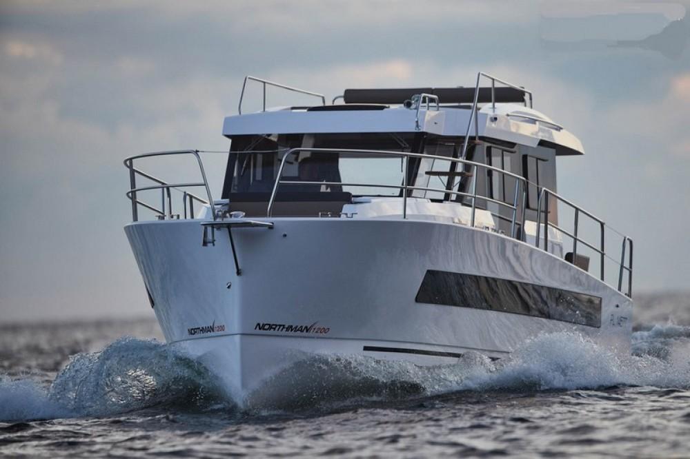 Motorboot mit oder ohne Skipper  mieten in Marina Kaštela