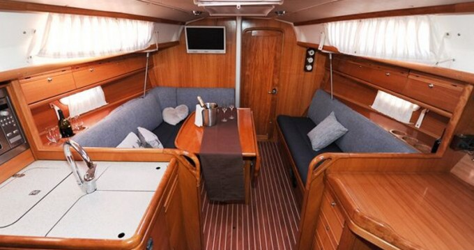 Bootsverleih Álimos günstig Bavaria 34 Cruiser