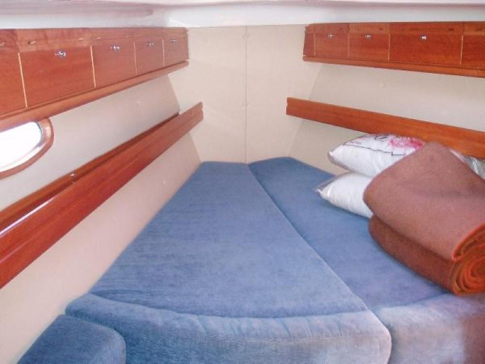 Ein Bavaria Cruiser 39 mieten in Ionian Islands